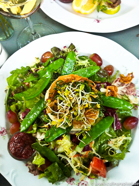 Salat mit Ziegenkäse im Roecklplatz Ausbildungsrestaurant München