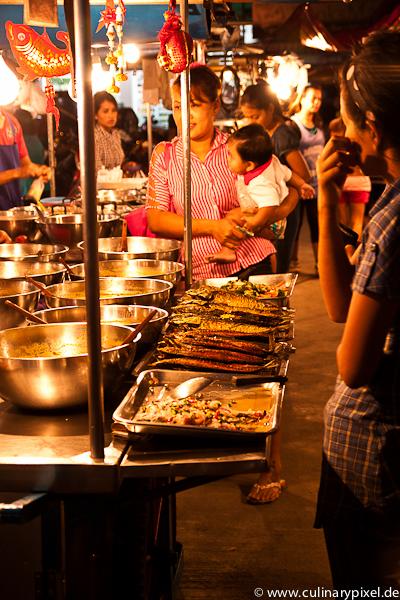 Familien Shopping Thong Sala Night Market, Koh Phangan, Thailand