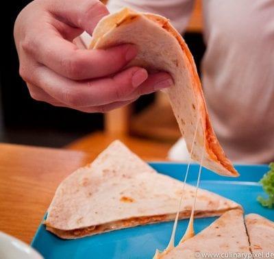 Quesadilla mit Huhn - Condesa Gourmet Tacos & Burritos München
