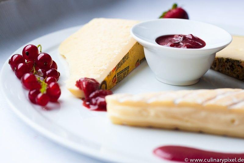 Erdbeersenfsauce zum Käse