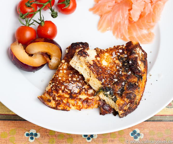 Lachs & Tomaten zur gebratenen Frittata