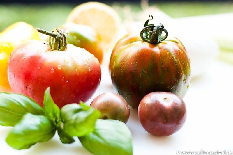 Caprese mit bunten Bio Tomaten