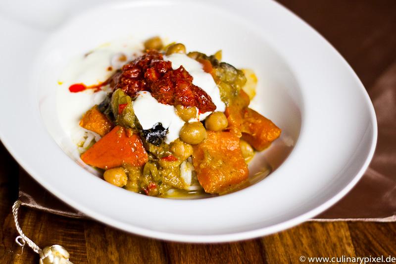 Curry mit Kicherrbsen und Gemüse
