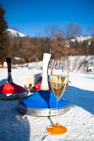 Champagner & Eisstockschießen