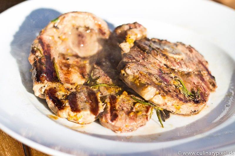 BBQ mit Lammkeulen Scheiben