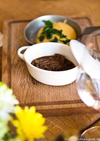 Ochsenbeinscheibe Polenta Upper Eat Side