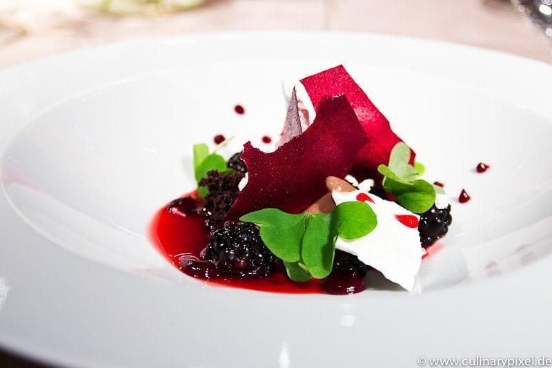 Brombeer Dessert Atelier Bayerischer Hof Steffen Mezger
