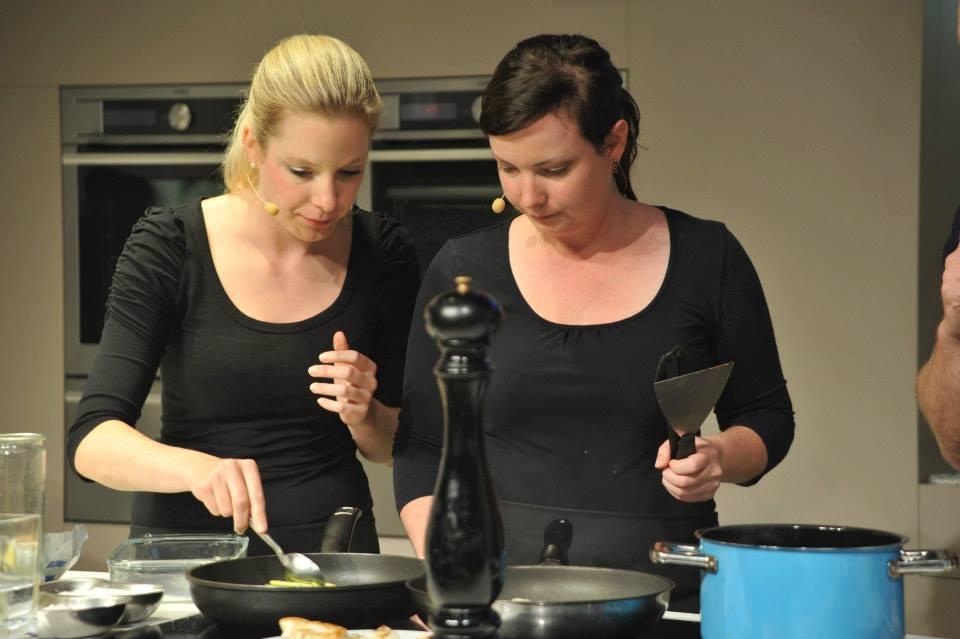 Amelie & Annette auf der IFA