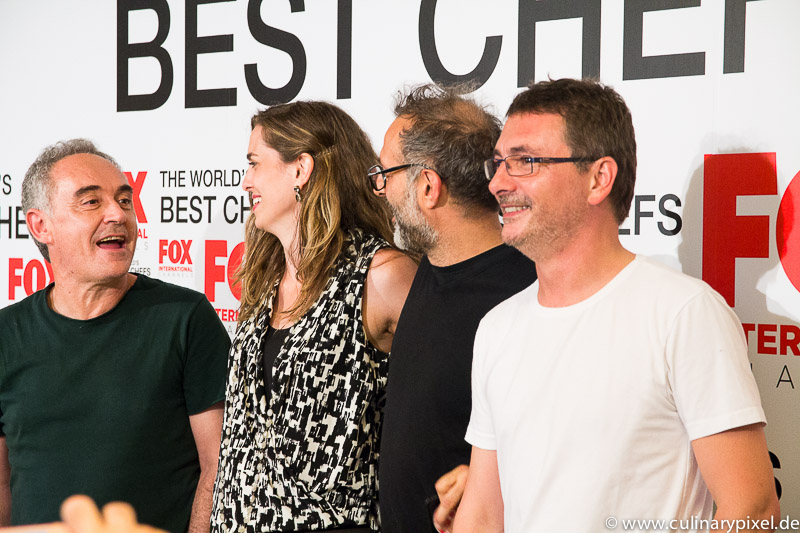 Ferran Adrià, Katie Button, Massimo Bottura, Andoni Luis Aduriz (v.l.) bei der Premiere von Worlds Best Chefs in Barcelona