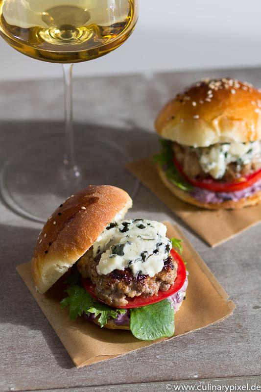 Roquefort-Burger mit Süßem Bordeaux