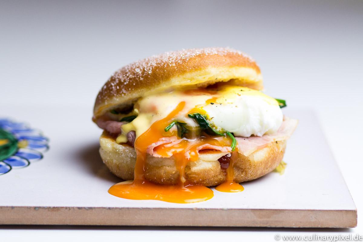 Krapf Benedict: Eggs Benedict im Krapfen oder das perverse Faschings-Frühstück