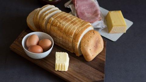 Schinken Käse Toast mit Ei zum Osterfrühstück