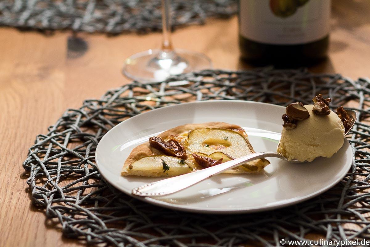 Flammkuchen und Roqueforteis