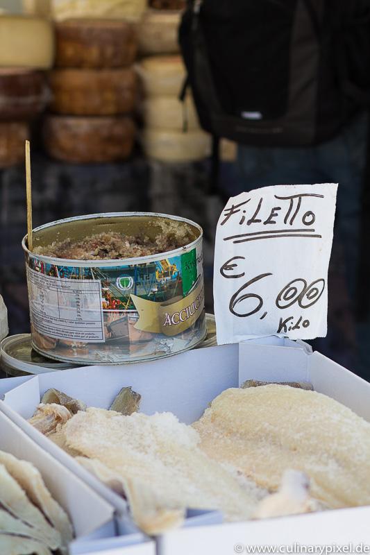 Sardinen auf dem Markt im Cilento