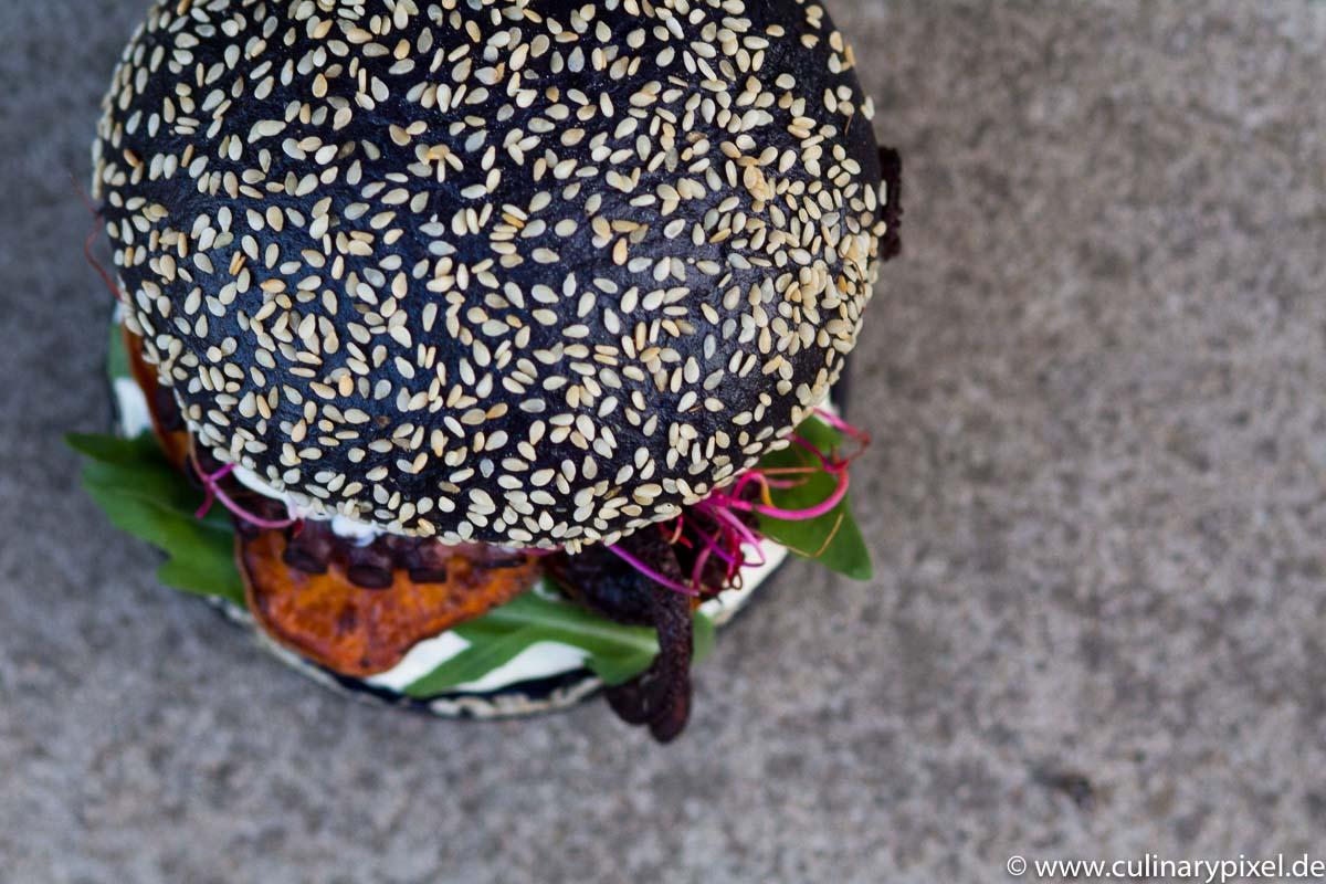 Pulpo Burger - schwarzes Burger Bun