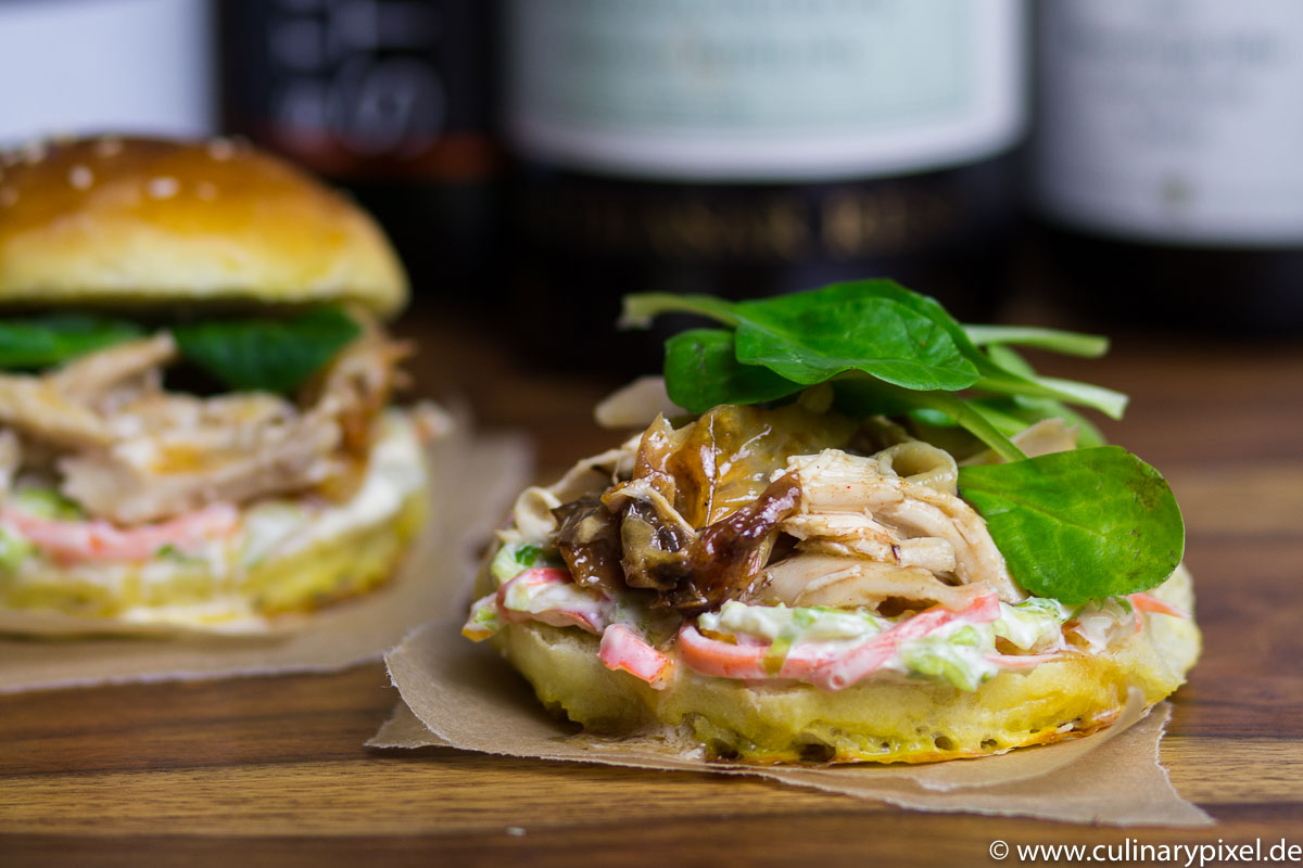 Pulled Chicken Burger mit Coleslaw