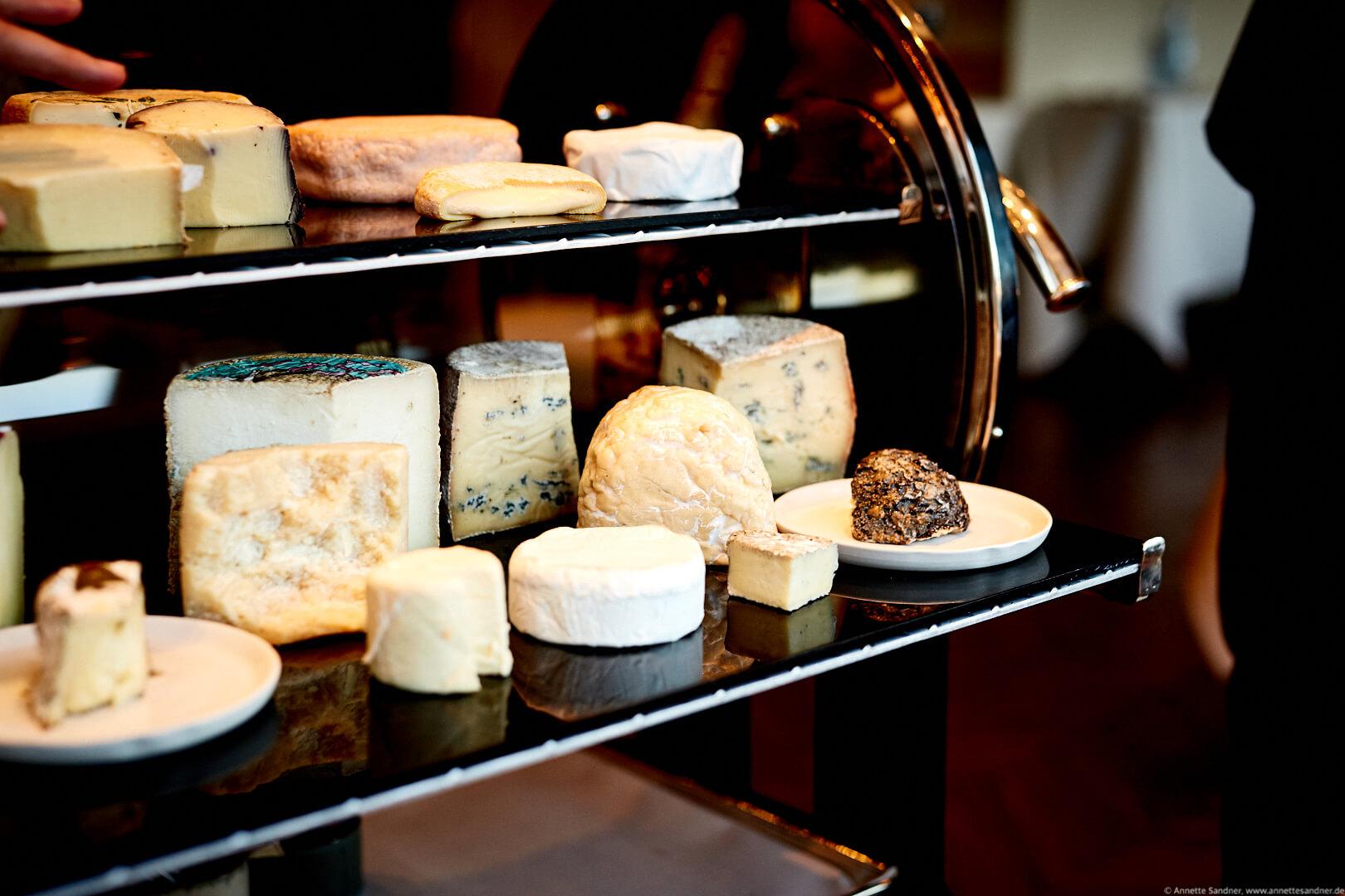 Käse aus dem Jumiversum Kuh, Schaf, Ziege, Gourmet Restaurant Olivo, Stuttgart