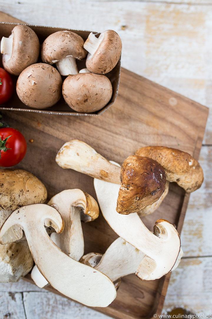 Steinpilze & Champignons für die Pilztarte