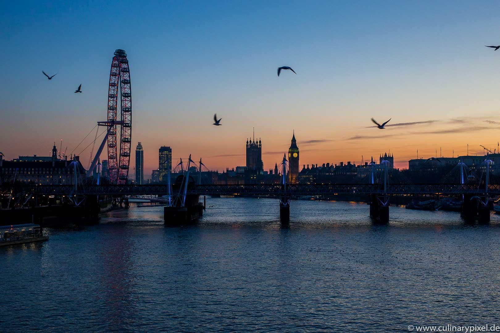 London Sonnenuntergang Spaziergang über die Themse