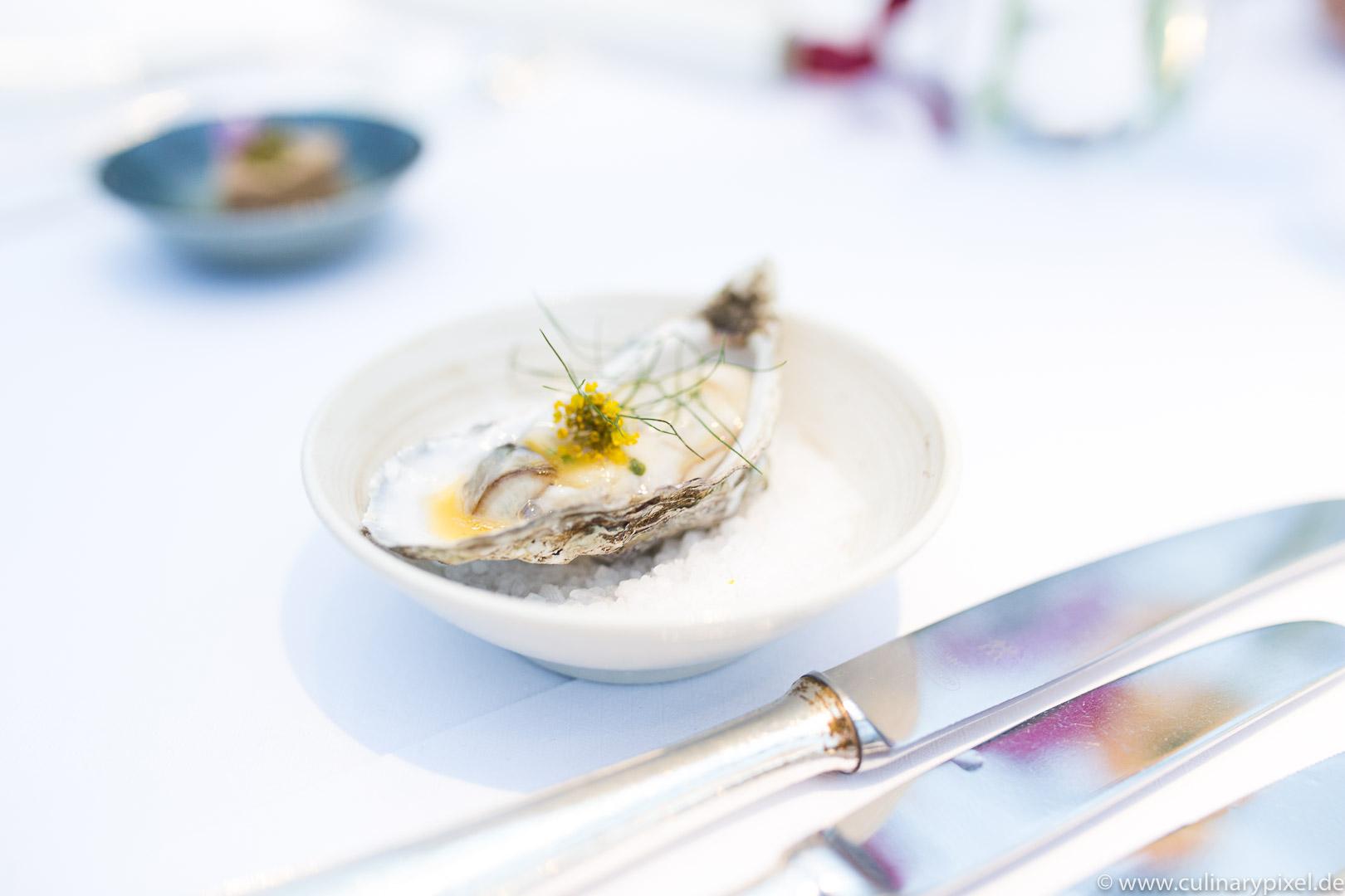 Tohru Nakamura Garden Table Geisels Werneckhof Auster
