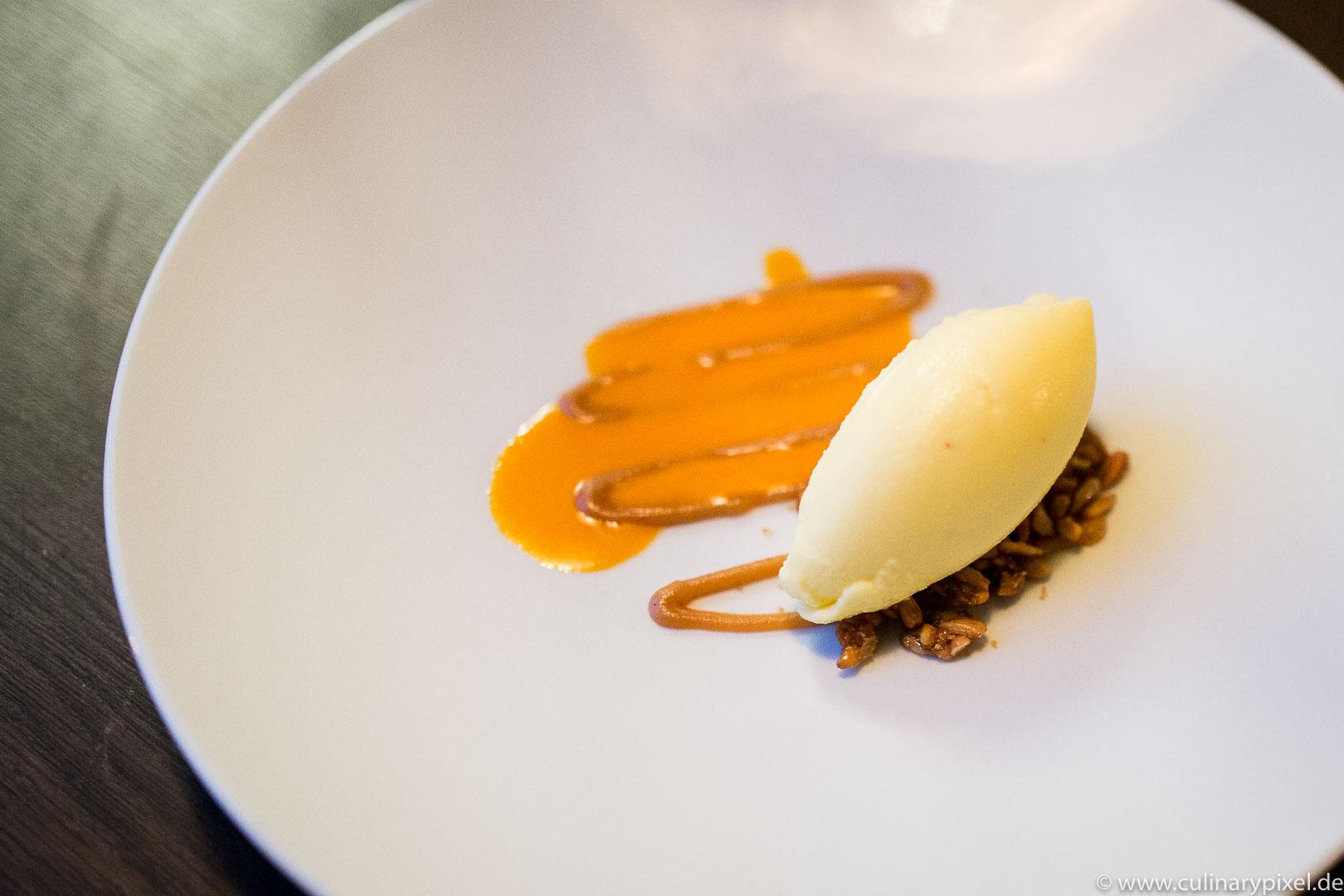 Dessert im Restaurant Lysverket in Bergen, Norwegen