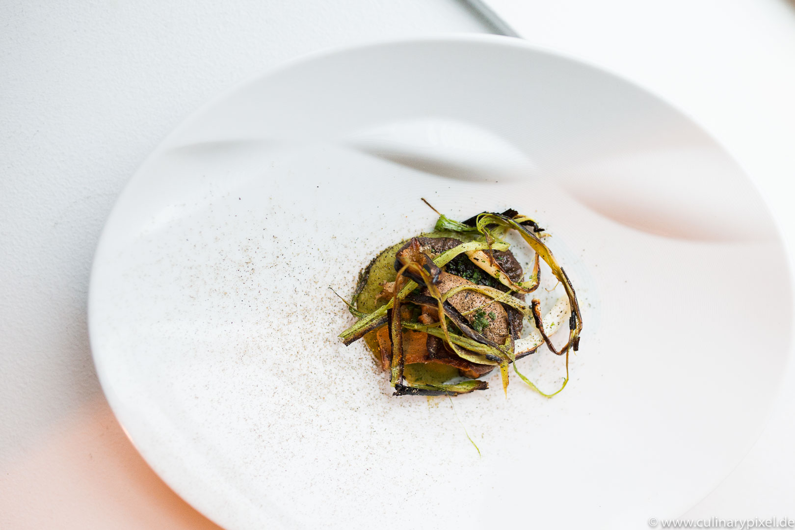 Gegrillte Pilze im Restaurant Lysverket in Bergen, Norwegen
