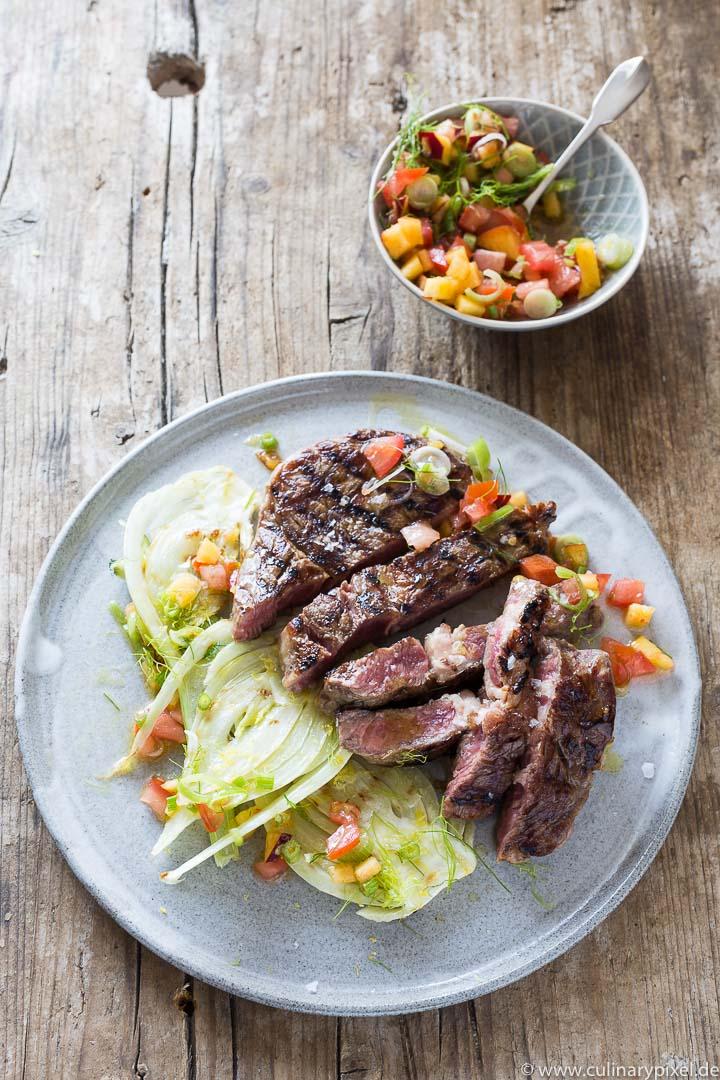 Rib Eye Steak vom Grill, Fenchel, Salsa