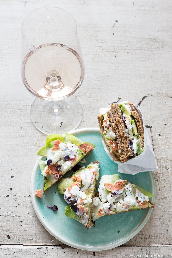 Sandwich mit Feige, Feta und Avocado zur Rosé Dinner Party