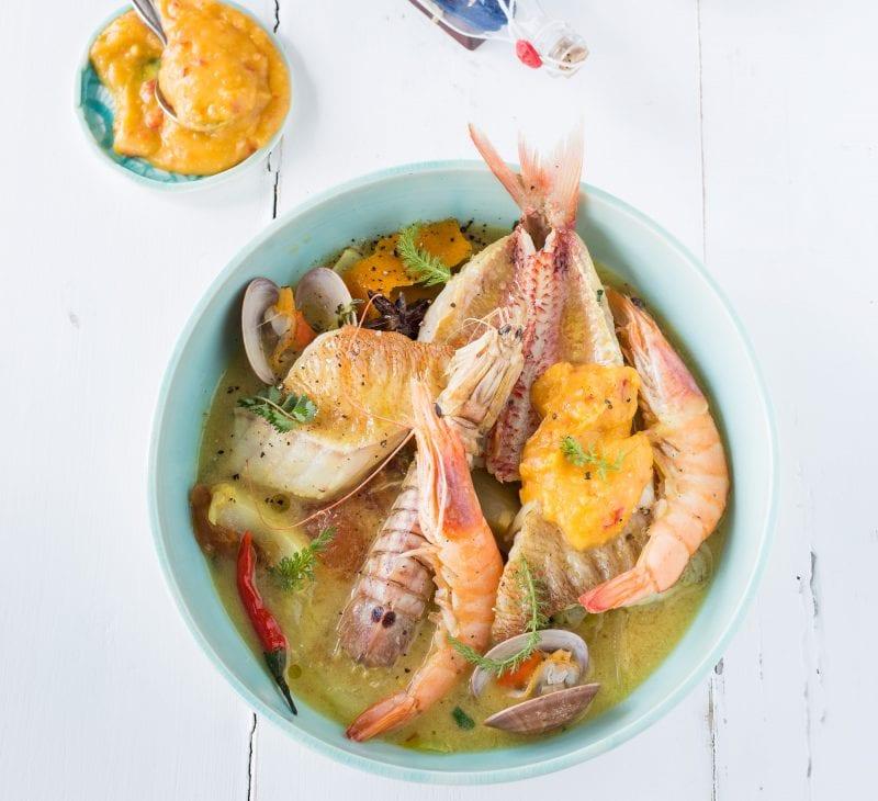 Bouillabaisse, französische Fischsuppe mit Rouille