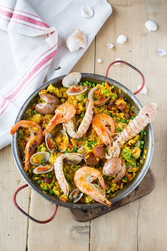 """Paella Rezept aus """"100 Gerichte, die du gekocht haben musst, bevor du den Löffel abgibst"""""""