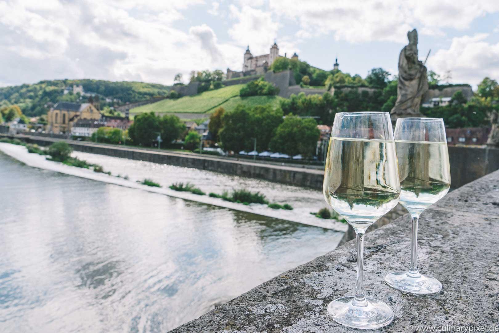 Würzburg: Kulinarischer City Guide mit Restaurants, Cafés, kulinarischen Tipps zum Einkaufen und Weingütern