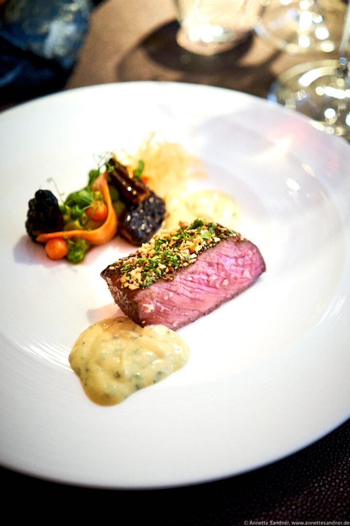 Lamm aus der Eifel Erbse, Morchel, Sauce Bernaise, Restaurant Zauberlehrling Stuttgart, Fabian Heldmann