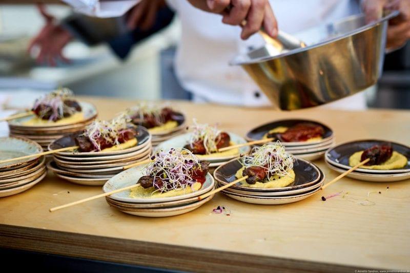 Grill Royal Wagyu Intercostal Rib Meat mit Grill Royal Steak Sauce   Maispüree   Berliner Sommersprossen