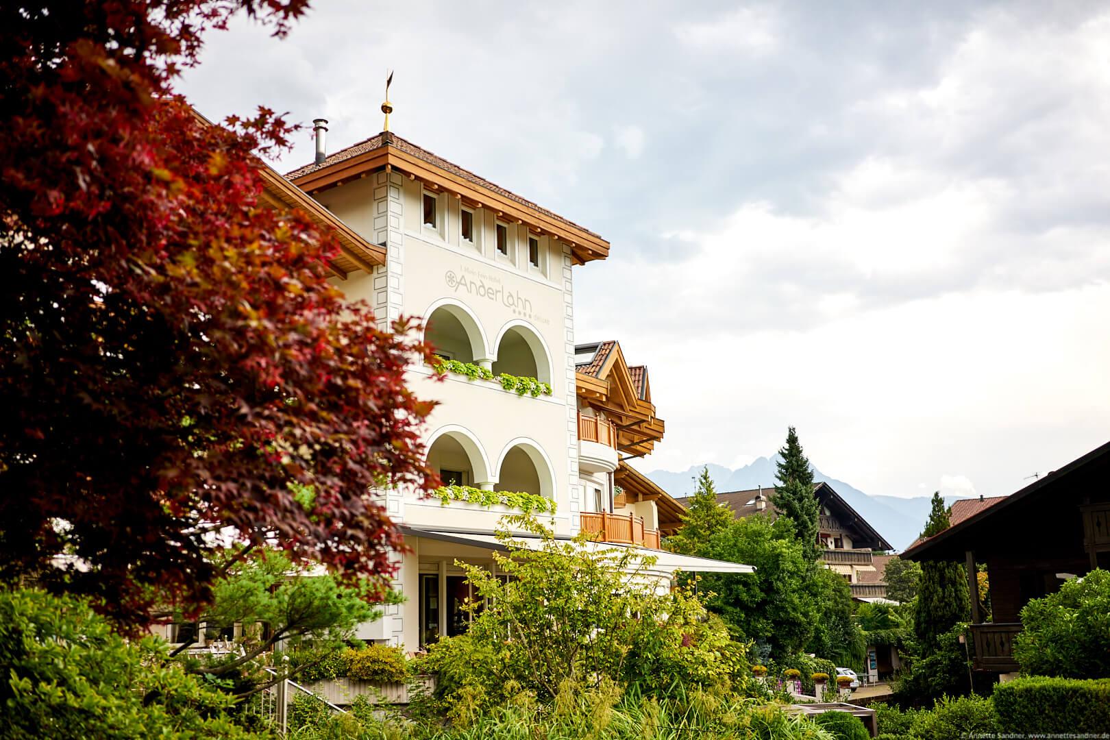 Klein Fein Hotel Anderlahn. Partschins bei Meran, Südtirol.