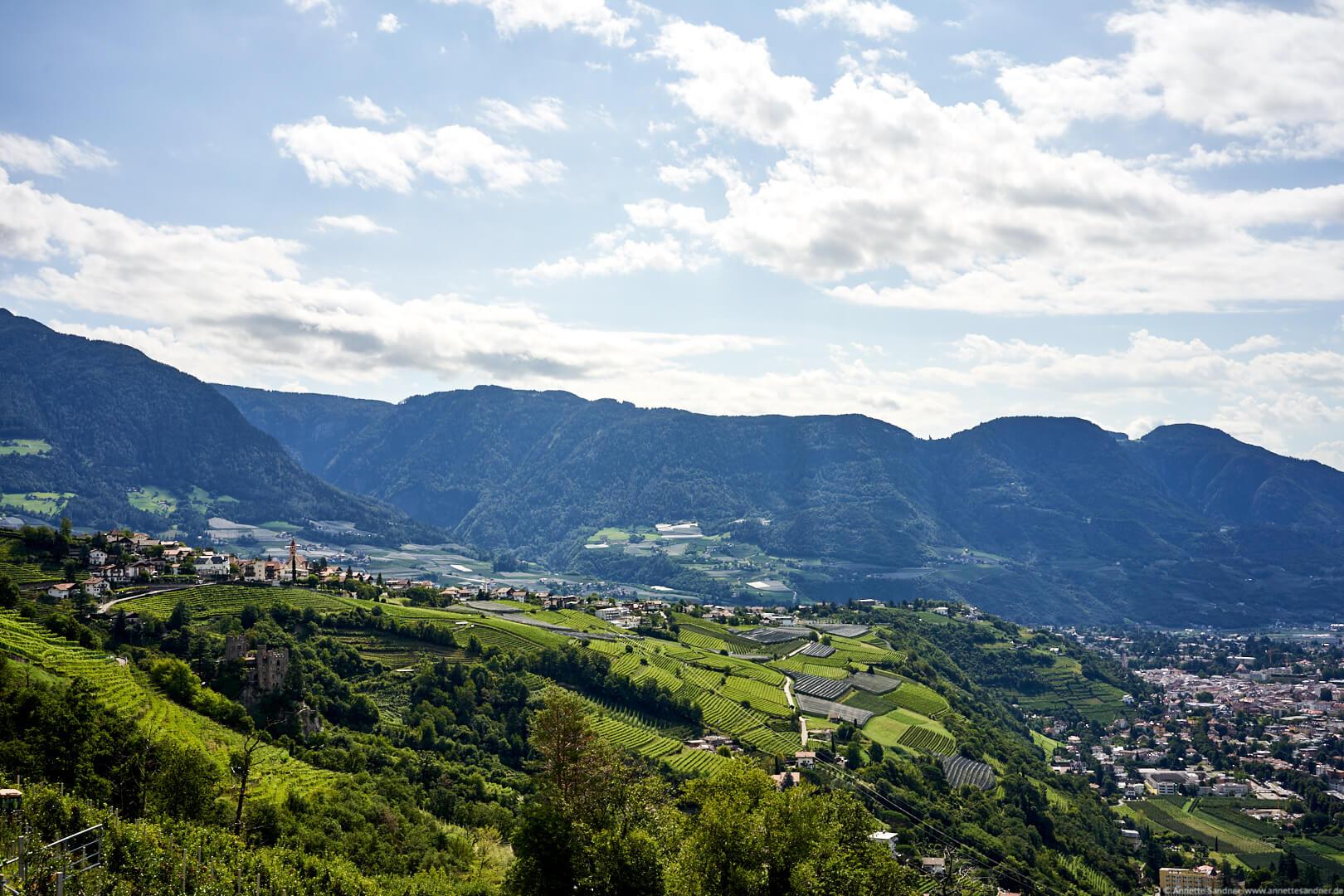 Blick über Meran vom Hotel Kronsbühel, Dorf Tirol, Meran, Südtirol