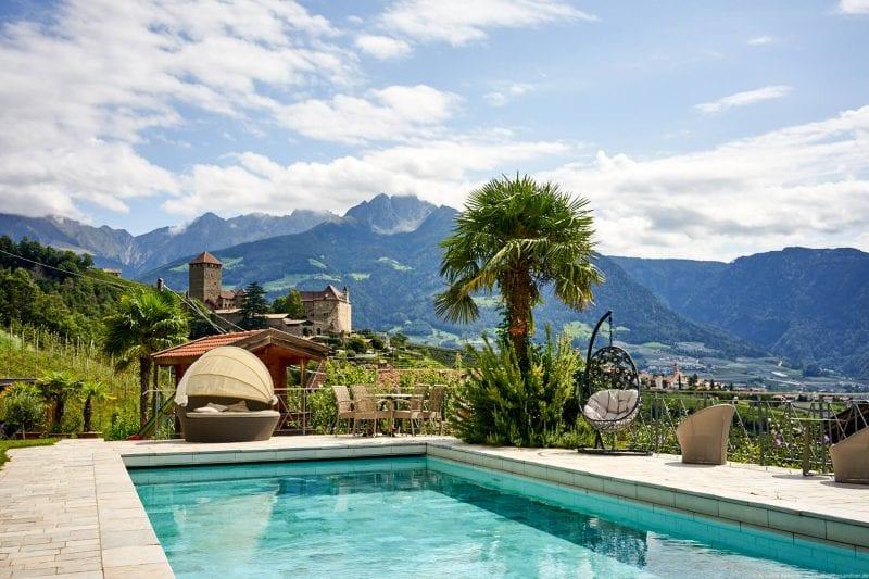 Pool im Hotel Kronsbühel, Dorf Tirol, Meran, Südtirol