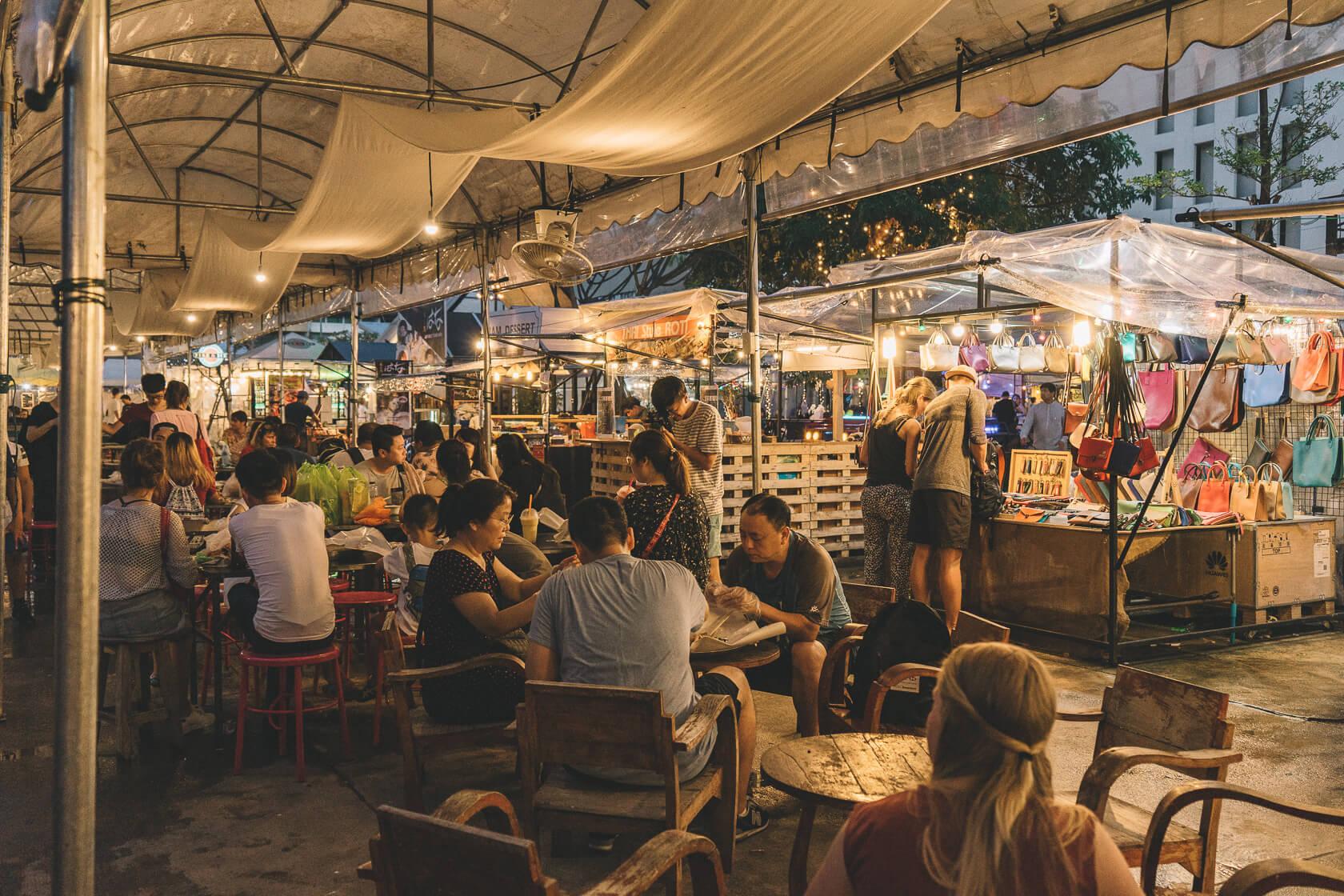 Ploen Ruedee Night Market, Chiang Mai