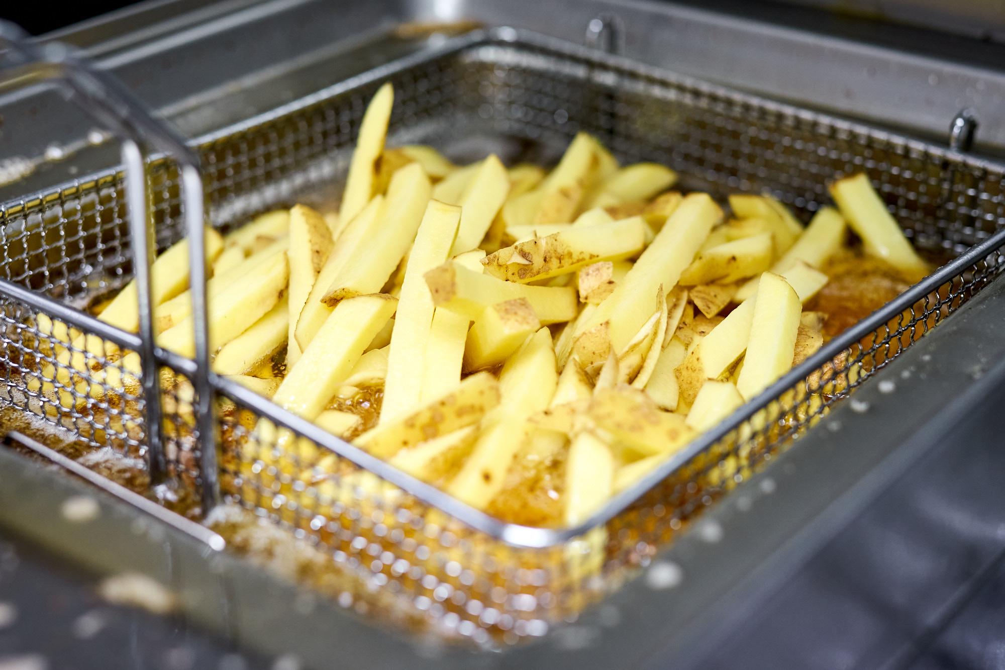 Spezlwirtschaft München Küche Pommes