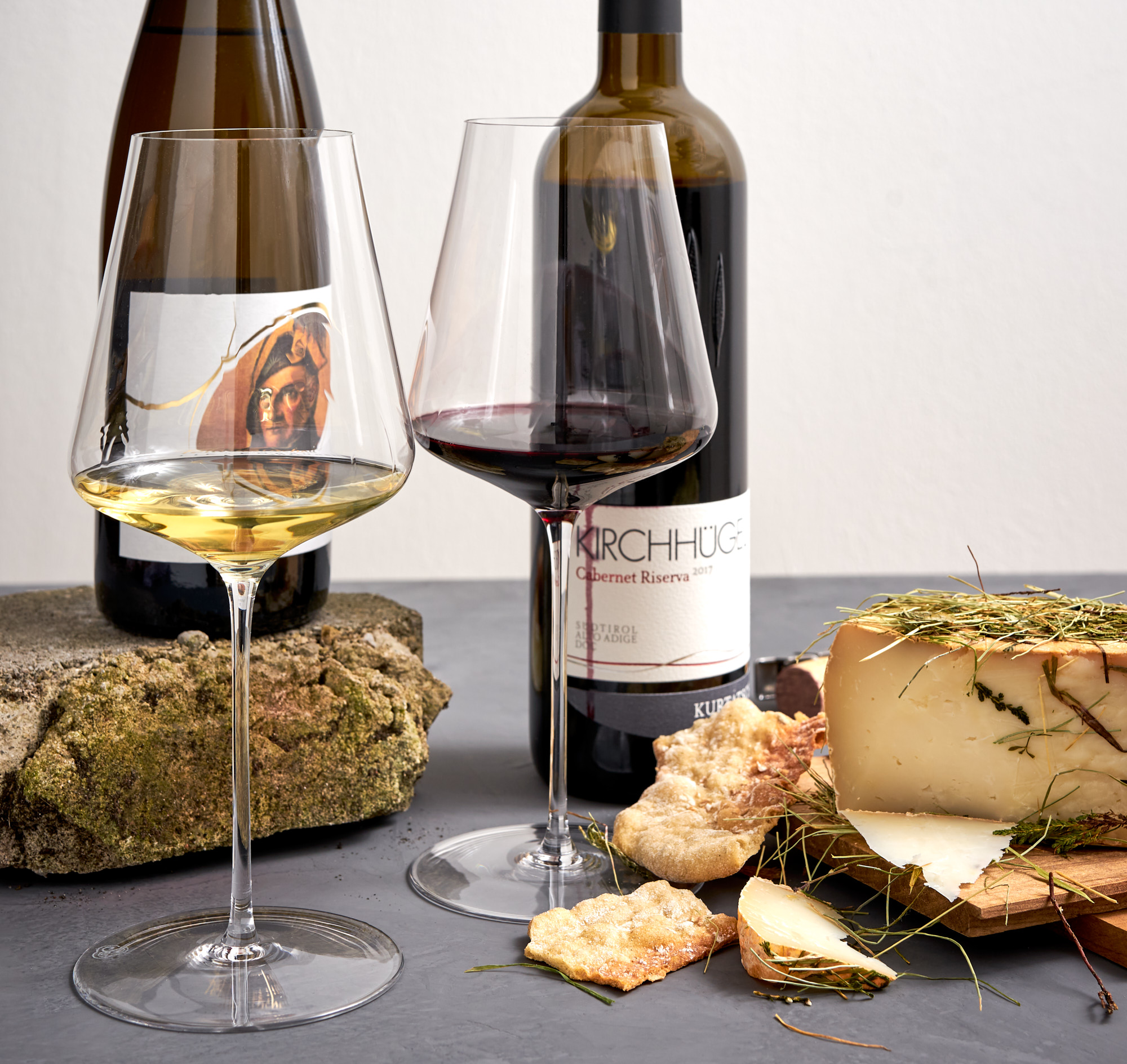 Wein aus Südtirol: Tiefenbrunner Müller Thurgau Feldmarschall und Kellerei Kurtatsch Cabernet Riserva Kirchhügel